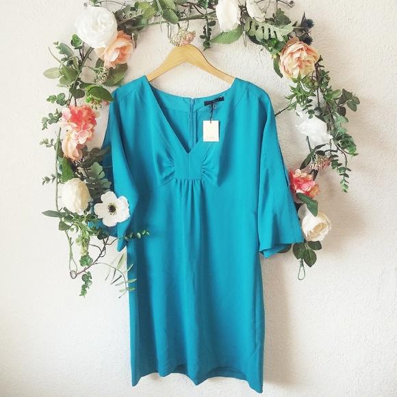 Trina Turk Dresses & Skirts - Trina Turk Sarai Solid Cold Shoulder Sheath Dress
